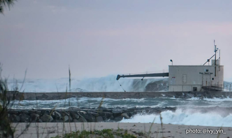 Winter Storm Riley - Pumping Pump House Waves