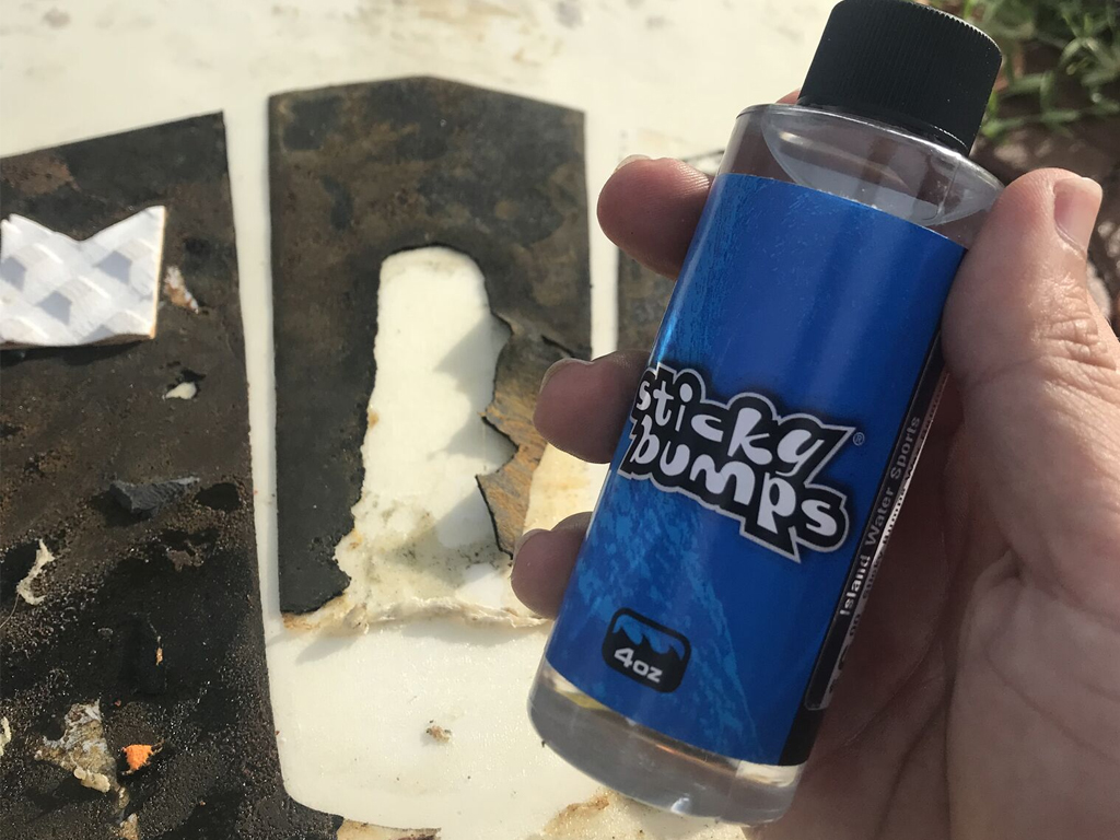 Surfboard Traction Pad Removal - Sticky Bumps Wax Remover